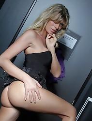 Stunning Angelina posing in the hallway
