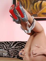 Brunette hottie Ashley George showing off