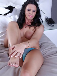 Stunning Lina jerks off and toys her ass