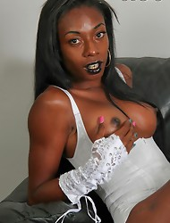 Kewi from Detroit Michigan arrived at the studio looking great. She was a little nervous this being her first shoot but soon warmed up and gave us gre