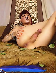 Dirty jungle slut Kelly fingers