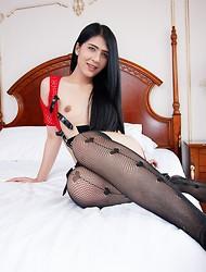 Red Fantasy Wear Raw Sex