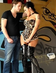 Gorgeous TS Foxxy seducing Wolfe with her sexy looks