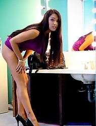 23 yo Native American Jessica has the most beautiful long legs and ass I have seen on a TS in a long time... if not ever!